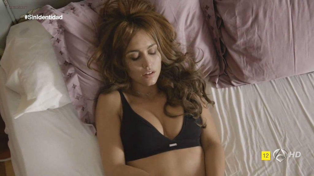 Megan Montaner nude sex and Veronica Sanchez nude too - Sin Identidad (ES-2014) S1 HDTV 720p (2)