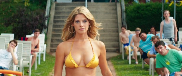 Ashley Greene hot bikini Gina Gershon hot too - Staten Island Summer (2015) hd1080p Web-Dl (10)