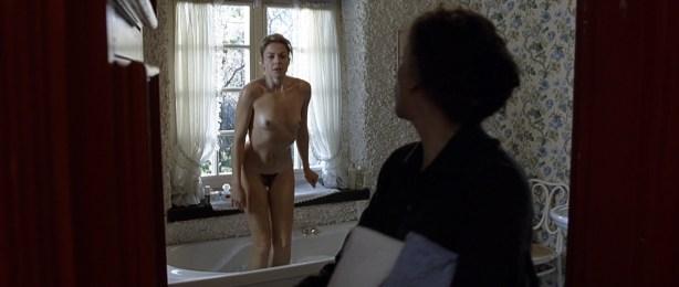 Kseniya Rappoport nude full frontal and Claudia Gerini nude full frontal too- La sconosciuta (IT-2006) hd1080p (2)