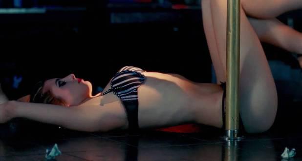 Dominik García-Lorido hot sexy as pole dancer - City Island (2009) hd1080p BluRay (4)