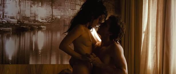 Nathalia Dill nude topless lesbian sex and Lívia De Bueno nude too - Paraísos Artificiais (BR-2012) hd1080p BluRay (14)