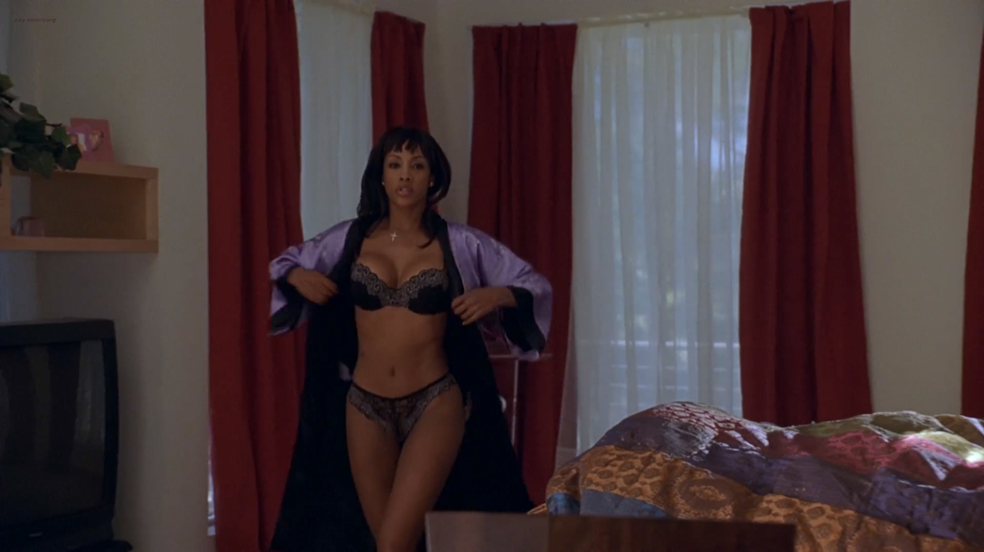Vivica A. Fox hot in lingerie and Carmen Electra hot panties - Getting Played (2006) hd1080p Web-DL (9)