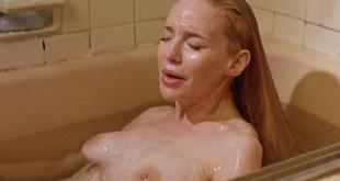 Anna Levine nude topless - Fast Food Fast Women (2000) (12)