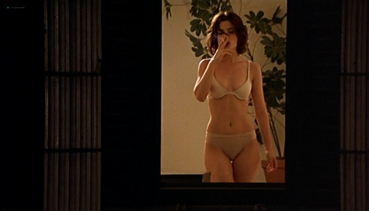 Anna Levine nude topless - Fast Food Fast Women (2000) (7)