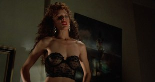 Jennifer Beals nude but covered and Kasi Lemmons nude topless - Vampire's Kiss (1989) hd1080p BluRay (11)