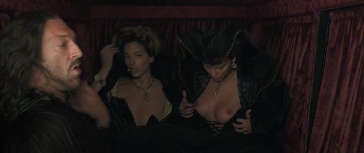 Stacy Martin nude butt others nude - Il racconto dei racconti (2015) hd1080p (21)