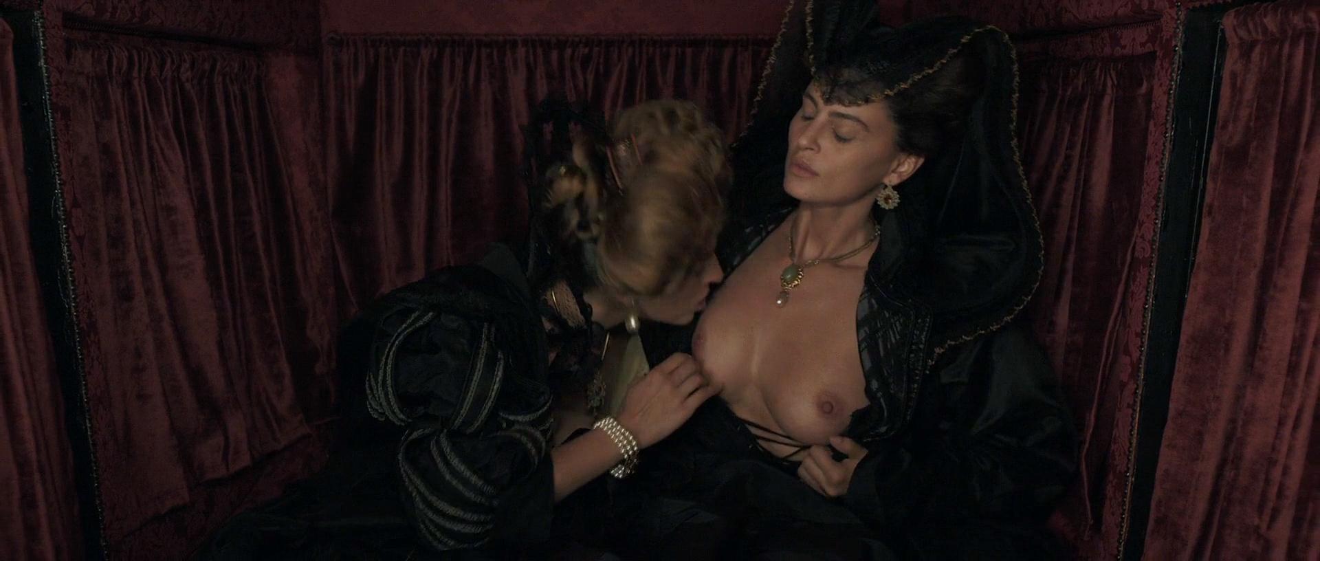 Stacy Martin nude butt others nude - Il racconto dei racconti (2015) hd1080p (11)