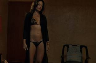 Freida Pinto nude brief topless and Carolina Gómez not nude but hot – Blunt Force Trauma (2015) HD 1080p BluRay
