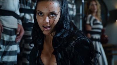 Morena Baccarin hot lingerie and Jessica Lucas hot - Gotham S02E01 (2015) HD 720-1080p (11)