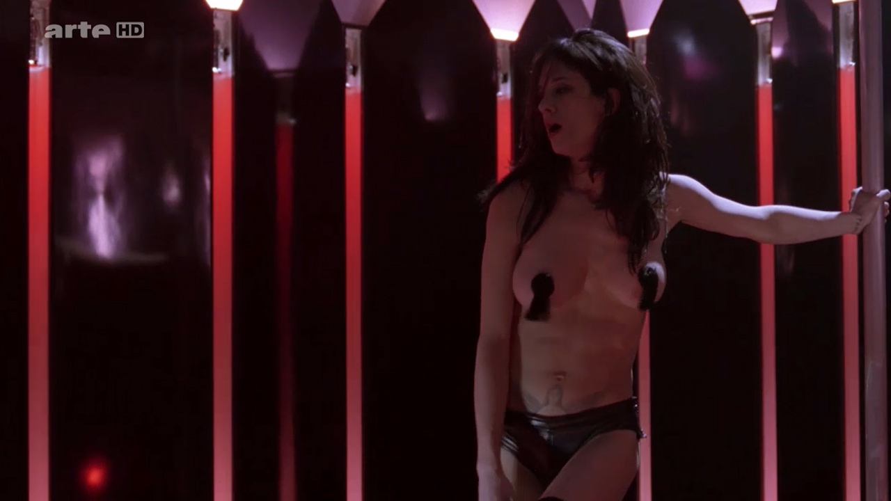 Asia Argento nude Stefania Rocca nude an others nude too - Go Go Tales (2007) HDTV 720p (12)