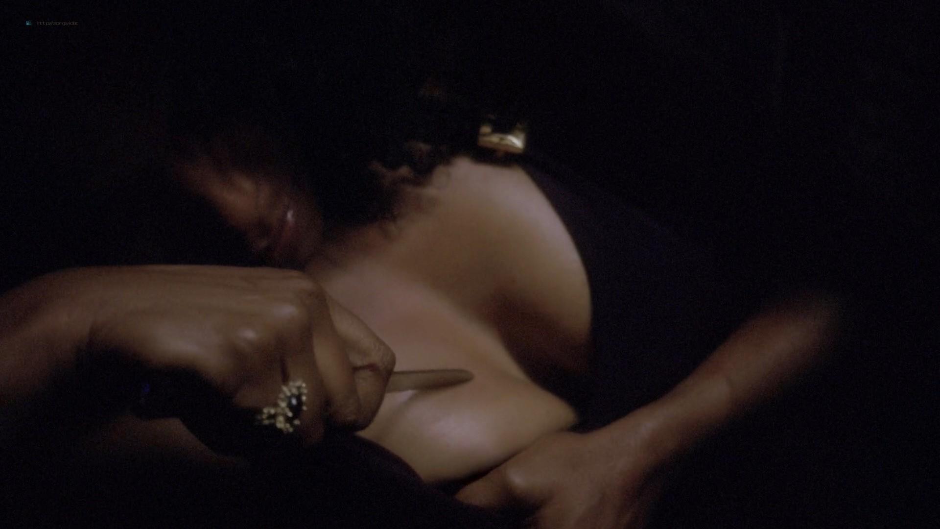 Lady Gaga and Angela Bassett hot lesbian sex - American Horror Story (2015) s5e3 HD 1080p (1)