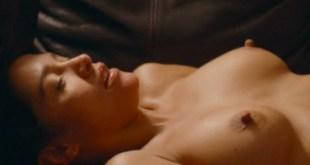 Emma de Caunes nude topless and sex and Christine Brücher nude - Les châteaux de sable (FR-2015) (20)