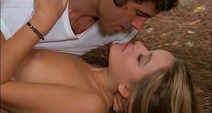 Gloria Guida nude bush and Anita Sanders nude butt - Quella Eta Maliziosa (IT-1975) (14)