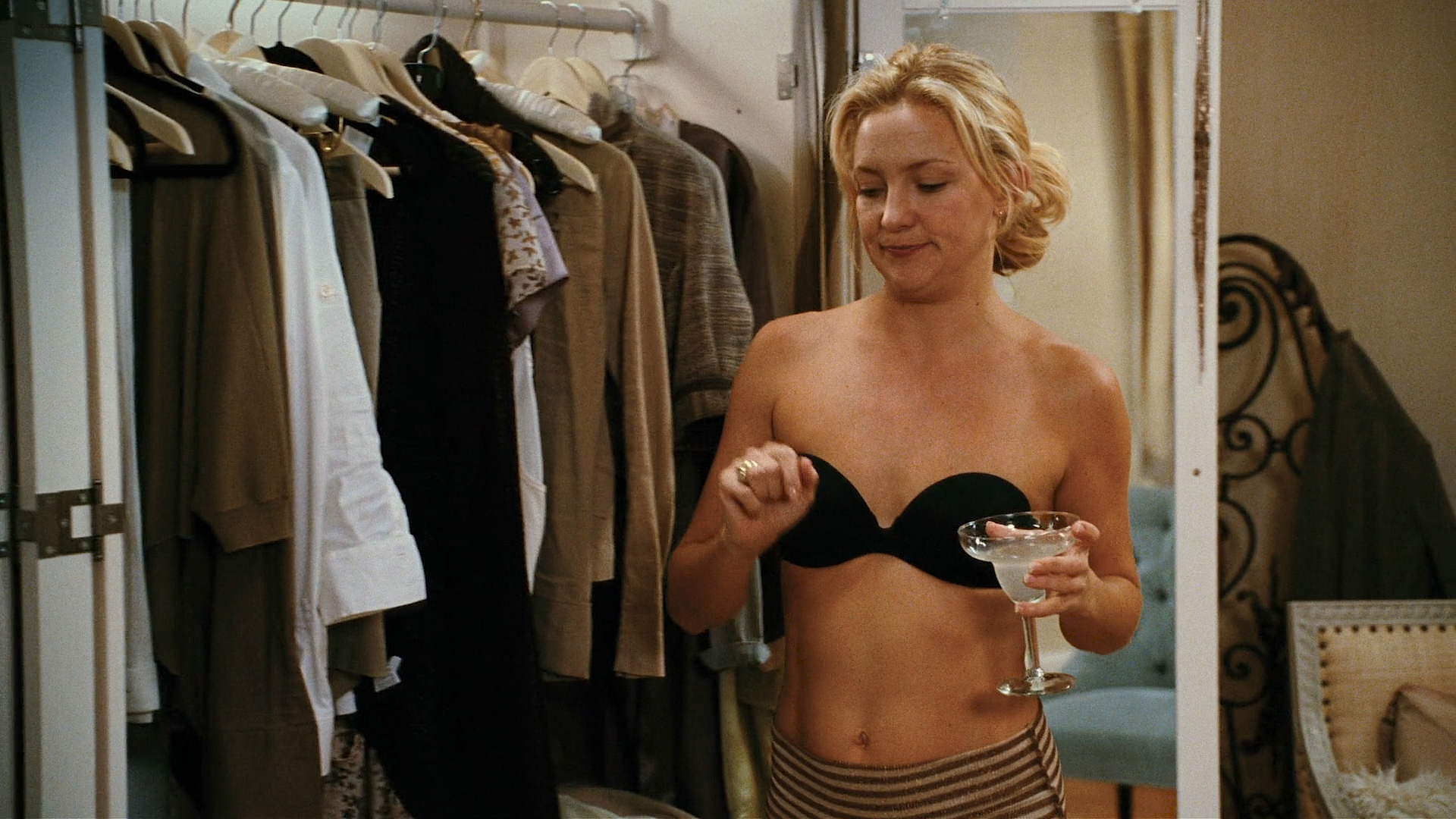 Kate Hudson hot Jacqui Holland nude Lizzy Caplan and Diora Baird hot - My Best Friend's Girl (2008) HD 1080p (12)