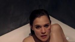 Marie Denarnaud nude topless and Audrey Fleurot nude butt - La vie en miettes (FR-2011) (6)