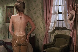 Raquel Welch hot butt and wet see through – Hannie Caulder (1972) HD 1080p BluRay