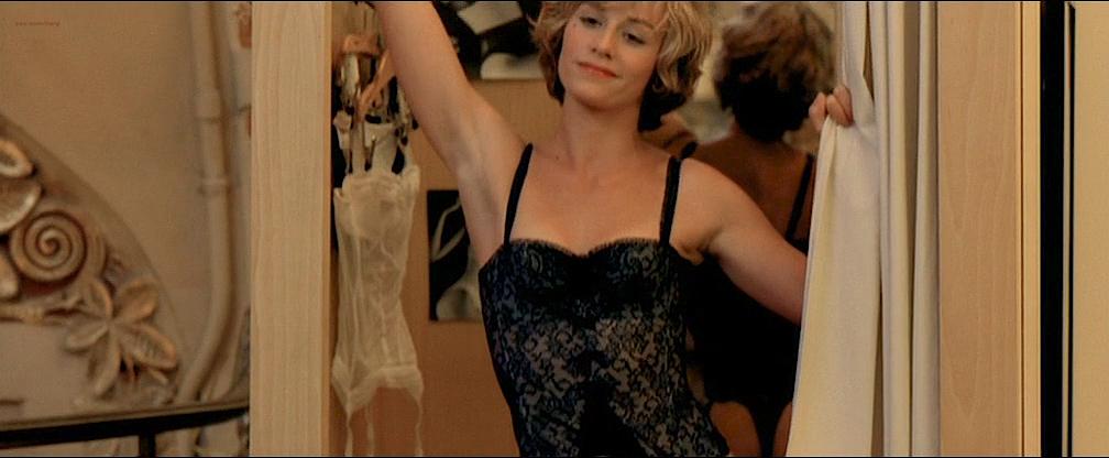 Cécile De France nude topless lot of sex - L'art (délicat) de La Séduction (FR-2001) (6)