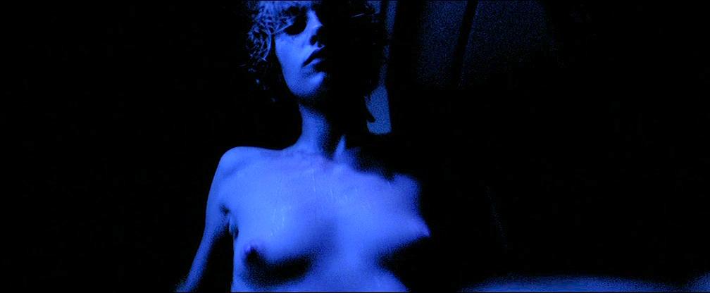 Cécile De France nude topless lot of sex - L'art (délicat) de La Séduction (FR-2001) (1)
