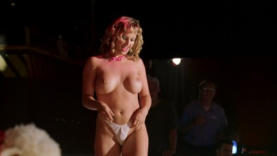 Ali Larter nude but covered, Tonie Perensky and Bristi Havins nude too – Varsity Blues (1999) HD 1080p BluRay (14)