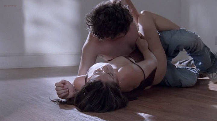 Michelle Borth nude and sex - Tell Me You Love Me (2007) S01E01-05 (4)