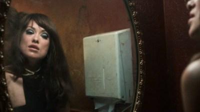 Olivia Wilde hot sex in public bathroom - Vinyl (2016) S01E02 HDTV 720p (3)