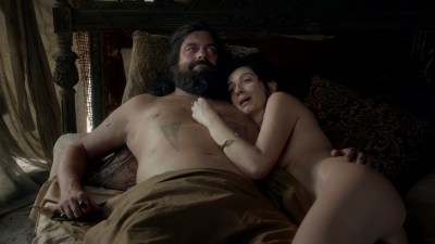 Sylvaine Strike nude topless - Black Sails (2016) S03E06 HD 720p WEB-dl (5)