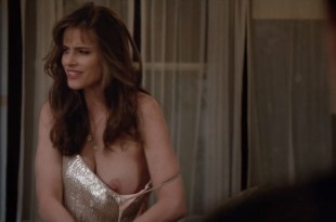Melanie Lynskey hot bra and sex and Amanda Peet nip slip – Togetherness (2016) s2e2 HDTV 720p
