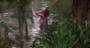 Adrienne Barbeau nude side boob - Swamp Thing (1982) HD 1080p (6)