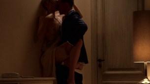 Elizabeth Debicki nude boob – The Night Manager (2016) s1e4 HD 1080p (1)