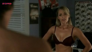 Laura Vandervoort hot in bra and panties - V (2009) S1E3