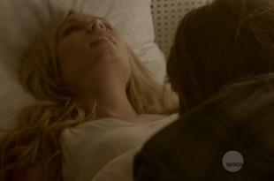 Laura Vandervoort hot sexy and some sex –  Bitten (2014) s01e02  HD 720p