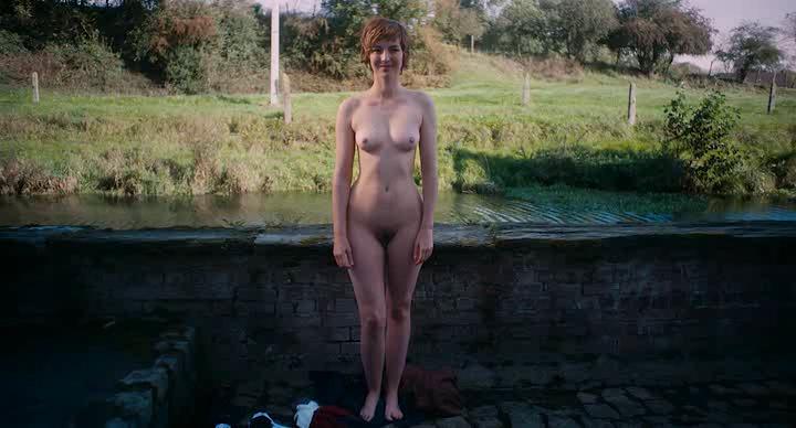 Louise Bourgoin nude full frontal - Je Suis un Soldat (FR-2015) (6)