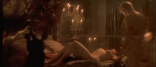 Monica Bellucci nude in - Le pacte des loups (FR-2001) HD 1080p BluRay