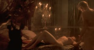 Monica Bellucci nude in - Le pacte des loups (FR-2001) HD 1080p BluRay (5)