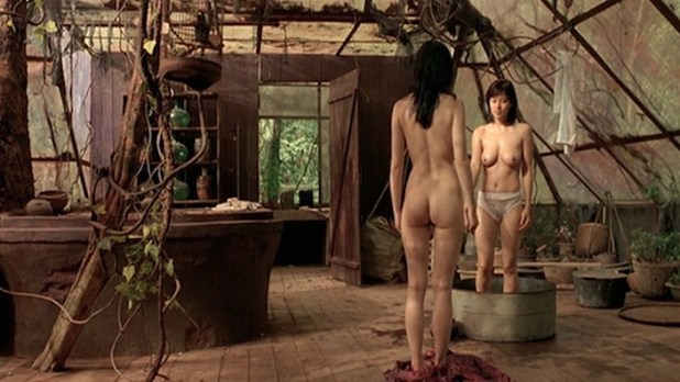 Mylène Jampanoï nude butt and Li Xiaoran nude too - Les Filles Du Botaniste (FR-2006) (5)