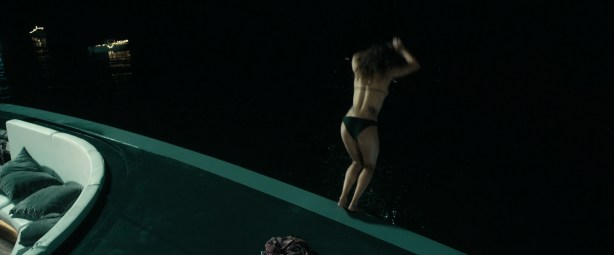 Teresa Palmer hot and busty in bikini and very sexy - Point Break (2015) HD 1080p (4)