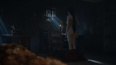 Carice van Houten nude topless and butt - Game Of Thrones (2016) s06e01 HD 1080p (6)