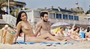Inma Cuesta nude topless and Clara Lago hot - Primos (ES-2011)