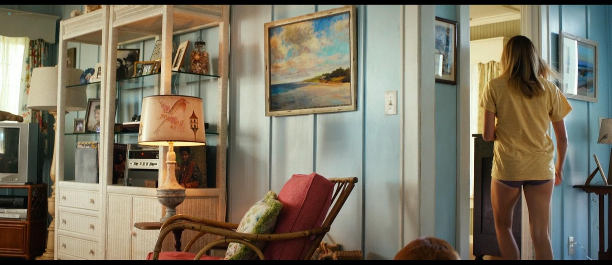 Teresa Palmer hot bikini and Maggie Grace, Alexandra Daddario hot too - The Choice (2016) HD 1080p BluRay (5)