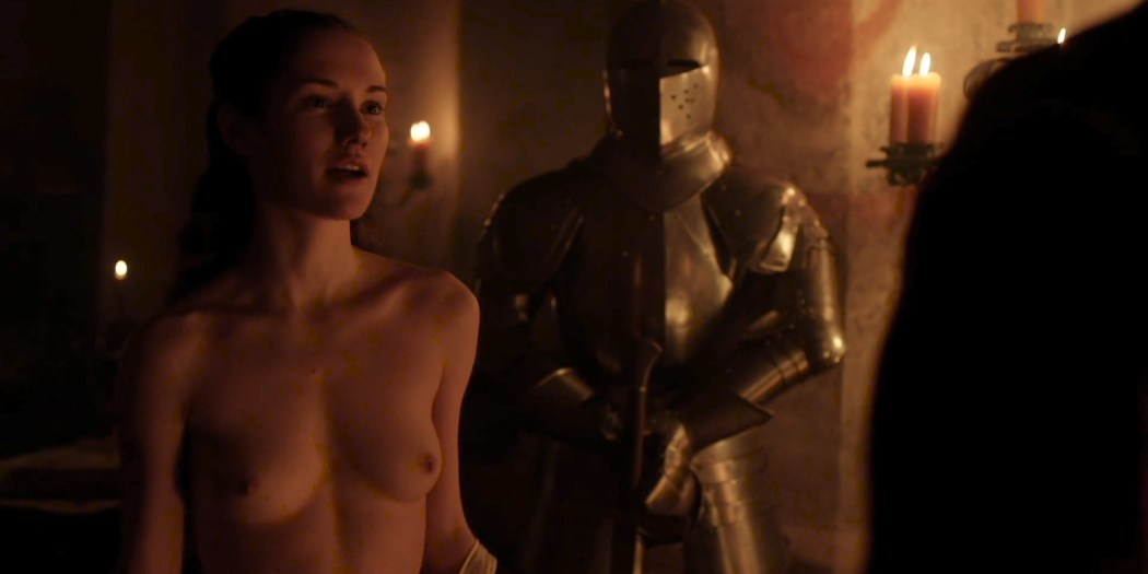 Eliska Krenková nude topless and butt- Borgia (2013) S02E02 HD 1080p (5)