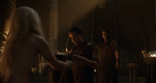 Emilia Clarke nude barley side boob – Game of Thrones (2016) s603 HDTV 1080p (7)