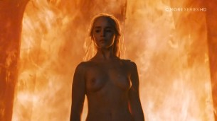 Emilia Clarke nude topless- Game of Thrones (2006) s6e4 HDTV 1080p (2)