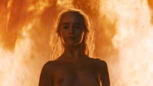 Emilia Clarke nude topless- Game of Thrones (2006) s6e4 HDTV 1080p (1)