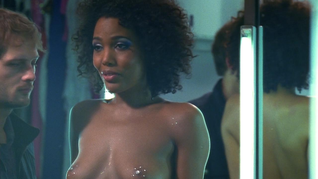 Lilou Fogli nude boobs, Naamah Alva nude bush and butt other's nude - Braquo (FR-2009) S1 HD 720p (10)