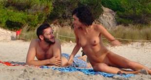 Olivia Delcán nude bush, butt and nude boobs - Isla Bonita (ES-2015) (5)