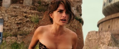 Penélope Cruz hot busty cleavage and Naomi Campbell hot - Zoolander 2 (2016) HD 1080p Web-Dl (14)