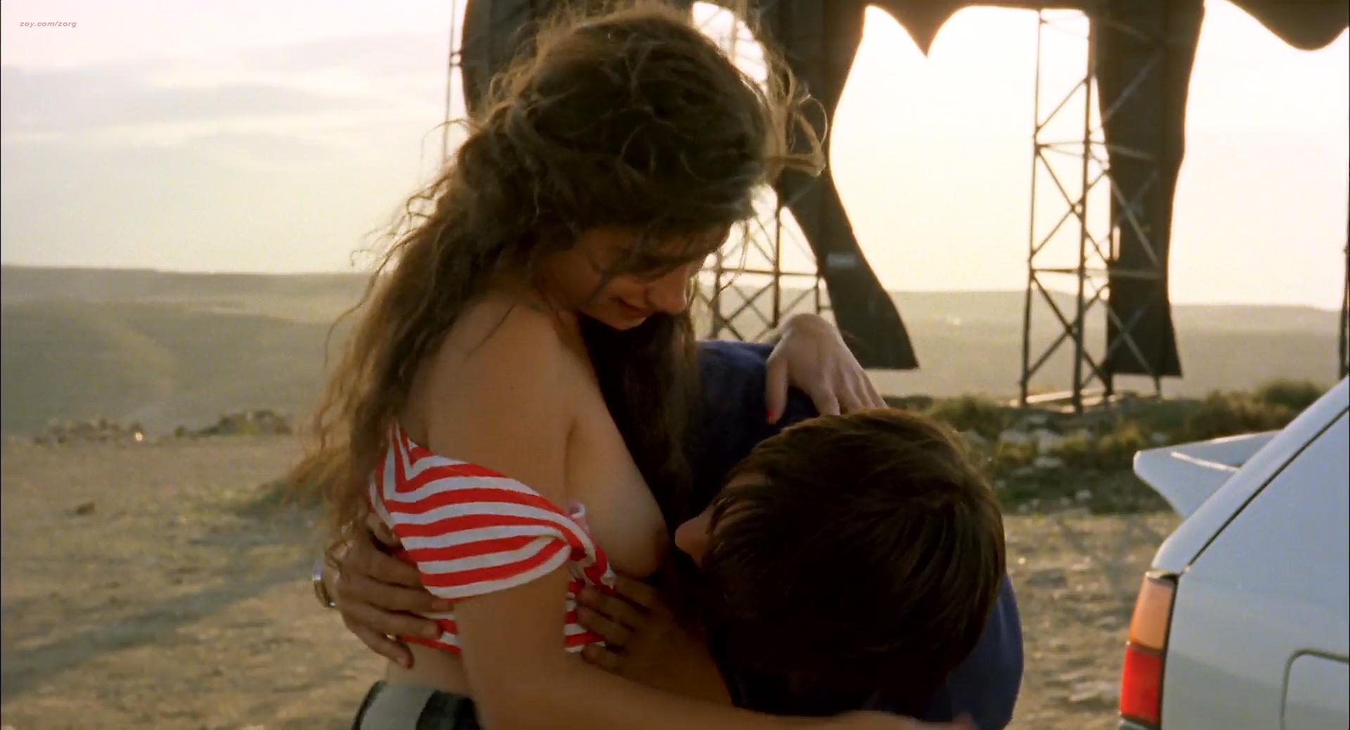 Penélope Cruz nude topless and sex and Anna Galiena nude topless - Jamon, Jamon (ES-1992) HD 1080p (7)