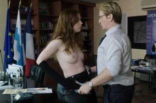 Stéphane Caillard nude topless, Carolina Jurczak nude and Nadia Farès hot – Marseille (FR-2016) s1e-1-4 HD 720p