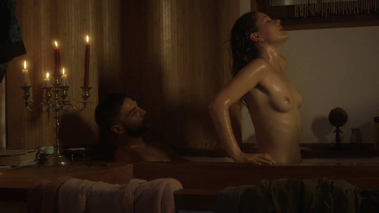 Stéphane Caillard nude topless, Carolina Jurczak nude and Nadia Farès hot - Marseille (FR-2016) s1e-1-4 HD 720p (16)
