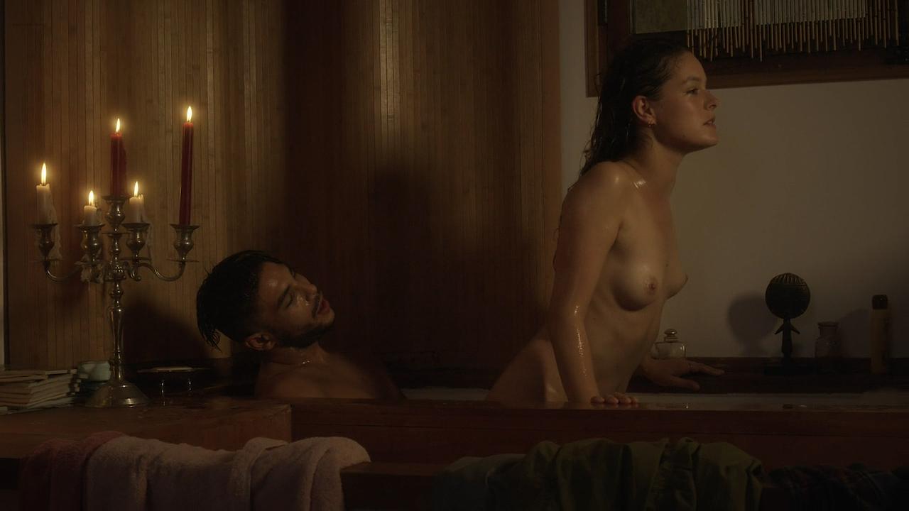 Stéphane Caillard nude topless, Carolina Jurczak nude and Nadia Farès hot - Marseille (FR-2016) s1e-1-4 HD 720p (15)
